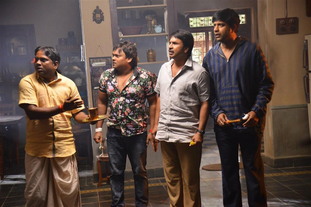Srinivas Reddy, Vennala Kishore, Thagubothu Ramesh, Shakalaka Shankar @ Anando Brahma Working Photos