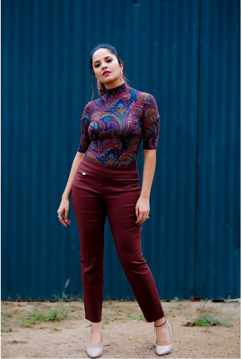 Actress Anasuya Photos @ Meeku Maathrame Chepta Trailer Launch