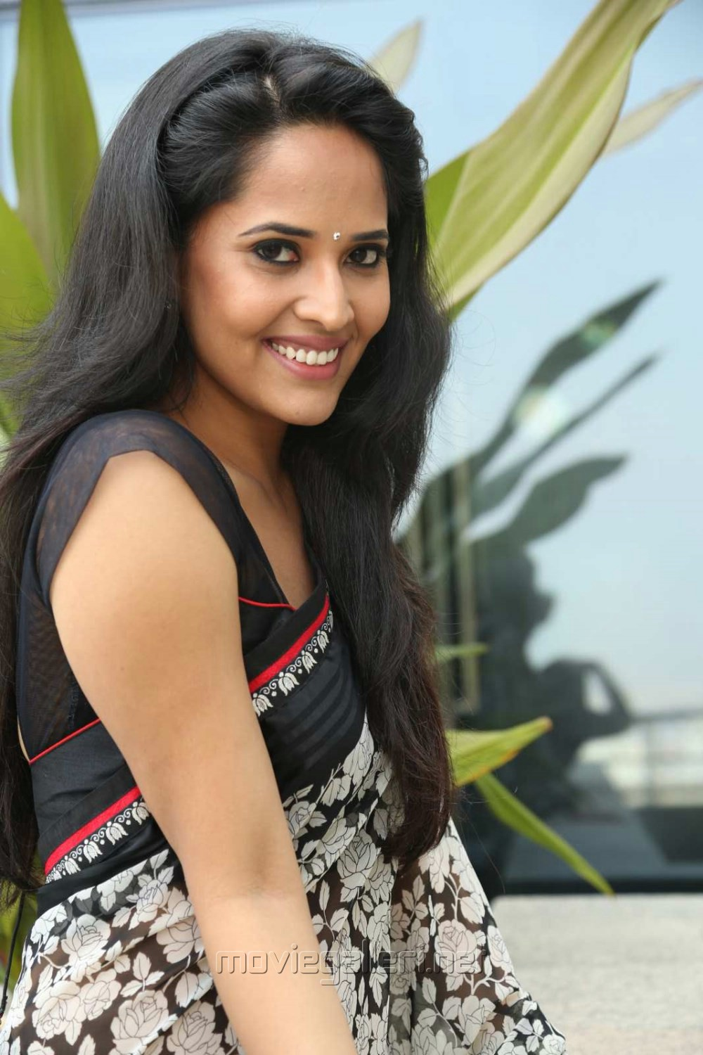 Anchor Anasuya in Saree Stills @ Shop CJ Telugu Channel Launch