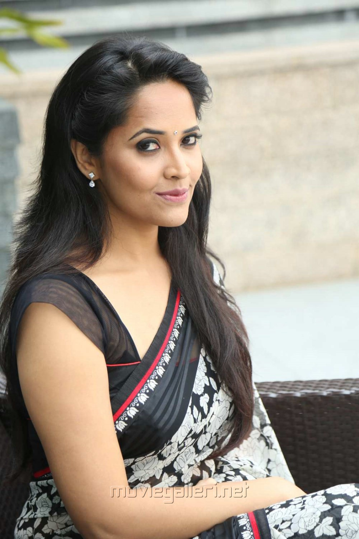 Actress Anasuya in Saree Stills @ Shop CJ Telugu Channel Launch