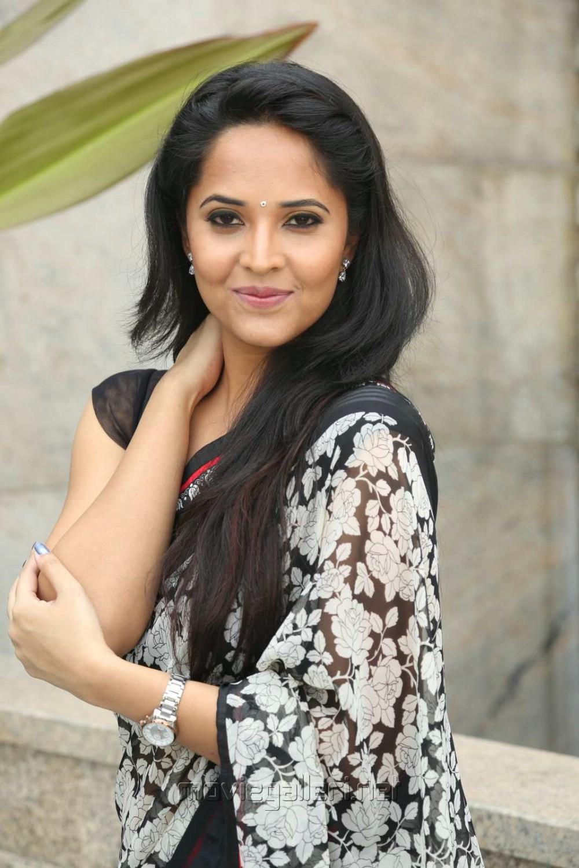 Anchor Anasuya in Saree Stills @ Shop CJ Telugu Channel Launch