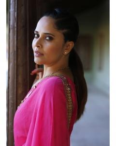 Anchor Anasuya Bharadwaj in Saree Photoshoot Stills