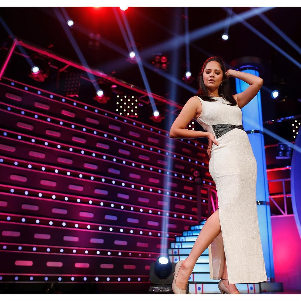 Anchor Anasuya New Photoshoot Pics