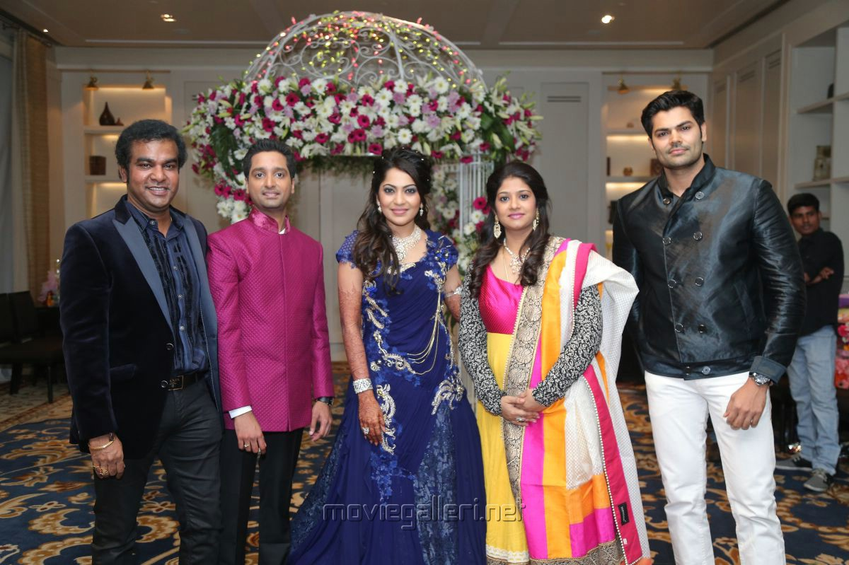 Vijay TV Anchor Ramya Aparajith Wedding Reception Stills