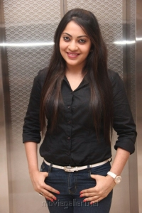 Vijay Tv Anchor Ramya Hot in Black Shirt Photos