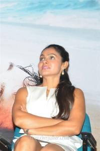 Taramani Movie Heroine Andrea Jeremiah Hot White Skirt Pics