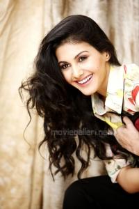 Actress Amyra in Anegan Movie