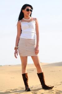 Tamil Actress Angitha Hot Stills in Thulli Vilayadu