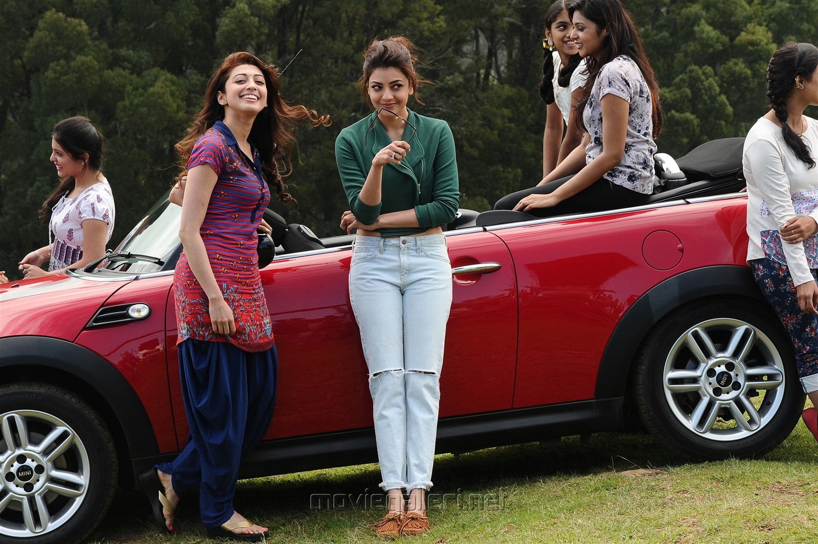 Pranitha, Kajal Agarwal in Anirudh Movie New Pics HD