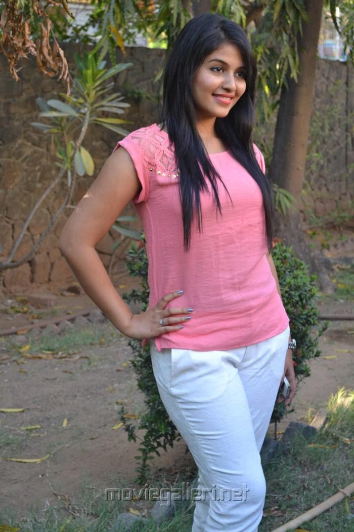 Tamil Actress Anjali Latest Hot Photos
