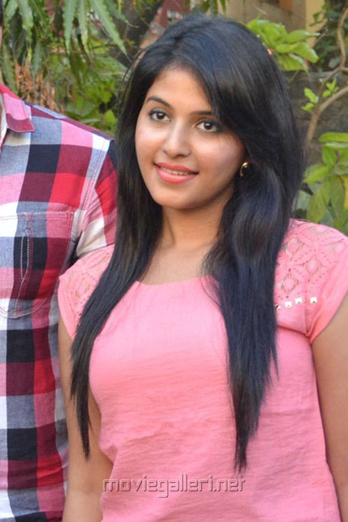 Tamil Actress Anjali Latest Hot Photos at Settai Press Meet