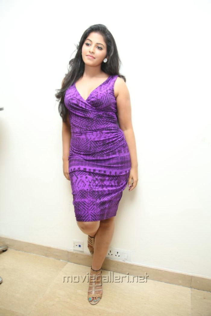 Actress Anjali Spicy Hot Pictures in Violet Tight Skirt