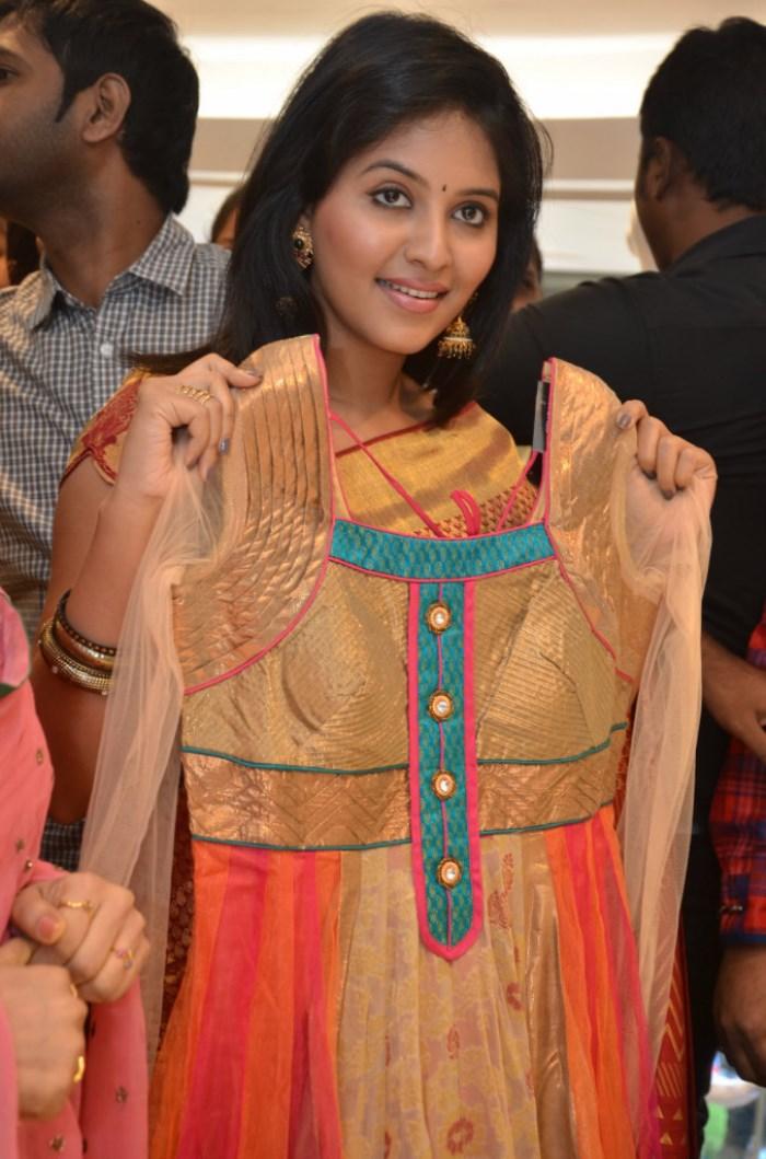 Tamil Actress Hot Saree Photos Tips