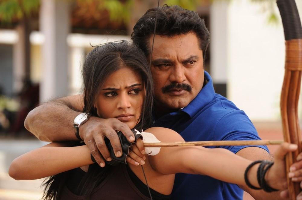 Priyamani, Sarathkumar in Anjathey Chandi Movie Stills