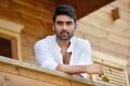 Actor Jai in Anthaku Minchi Movie Stills HD