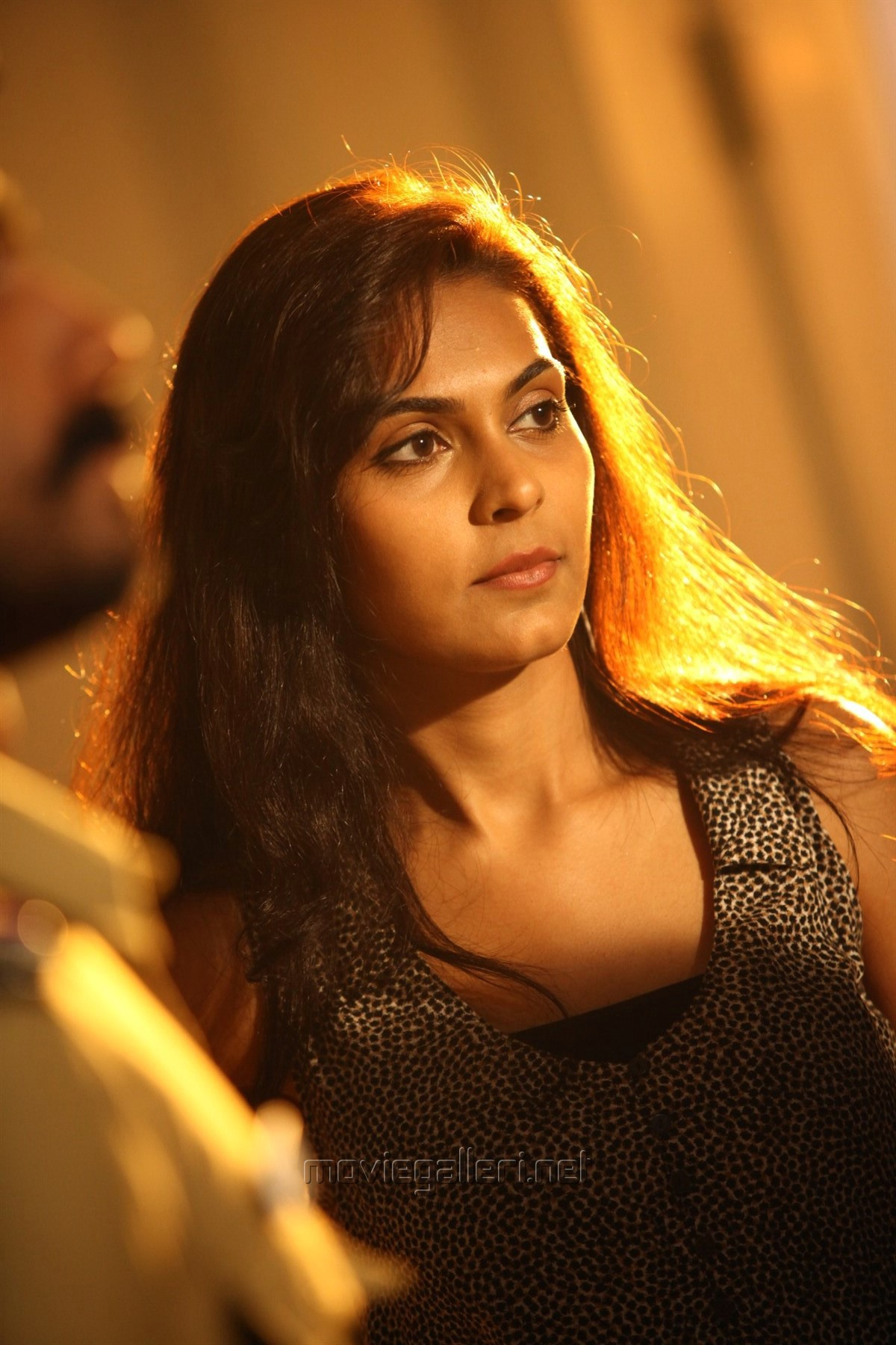 Actress Vaishali in Antony Tamil Movie Stills HD