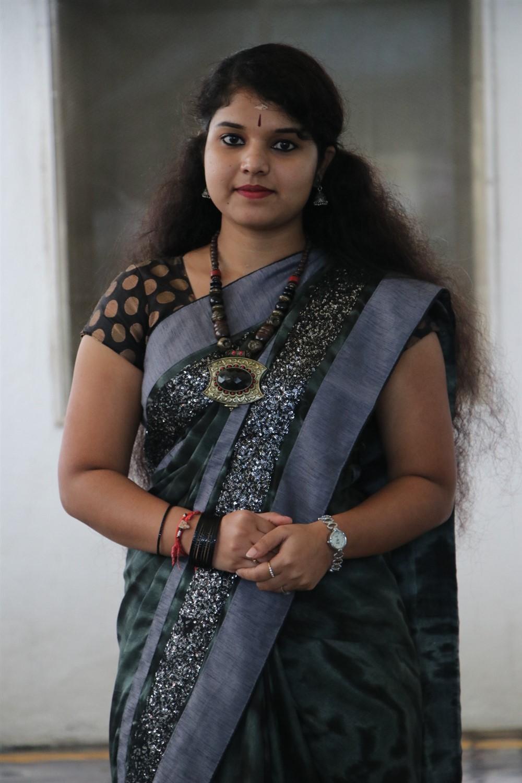 Actress Anu Krishna in Saree Latest Photos