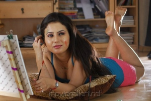 Actress Anu Smirthi Hot Pics Stills