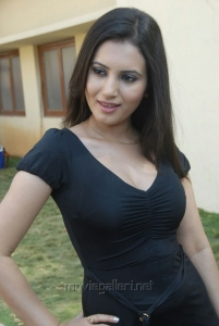 Telugu Actress Anu Smruth Photo Shoot Stills