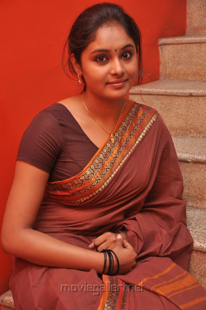 Think, Actress arundhati hot navel has