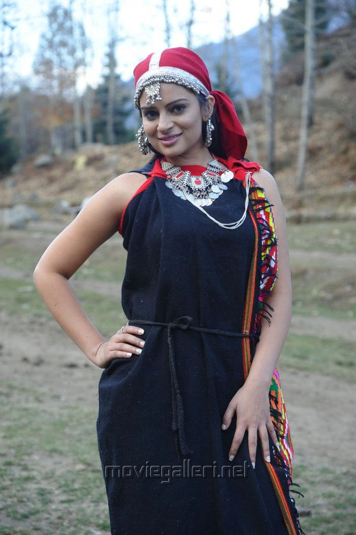 Anuhya Reddy in Kullu Traditional Dress