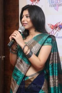 Tamil Actress Anuja Iyer Hot in Saree Stills