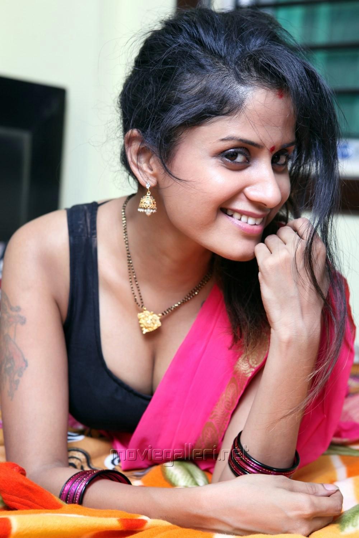 Telugu Actress Anukriti Govind Sharma Hot Spicy Stills in Pink Saree