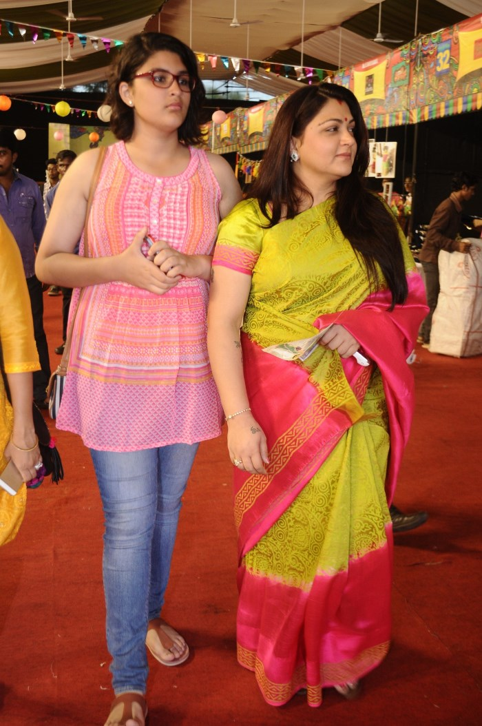Picture 753248 : Actress Kushboo with her daughter ...