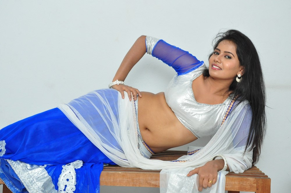 Telugu Actress Anusha Hot Photos In