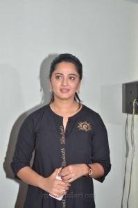 Actress Anushka Photos @ Bahubali 2 Press Meet