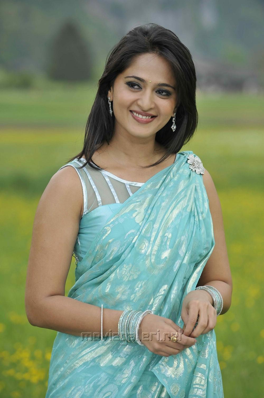 Picture 360618   Actress Anushka Shetty Hot Stills in Damarukam ...