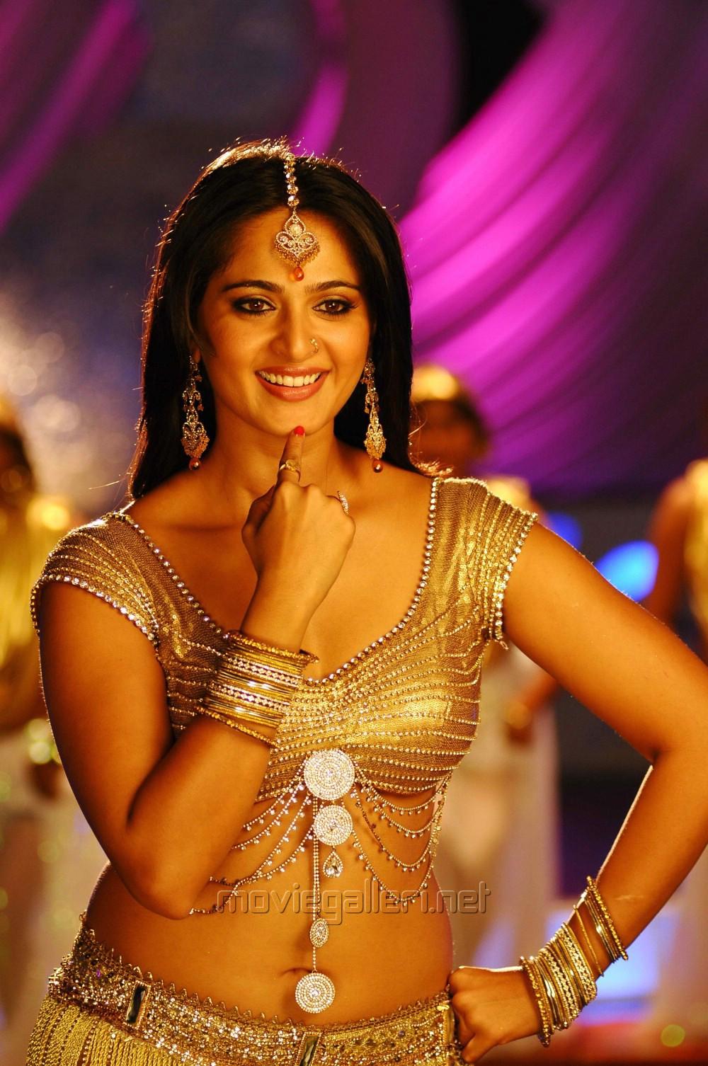 - actress_anushka_hot_stills_damarukam_anushka_shetty_stills_3f29cd1