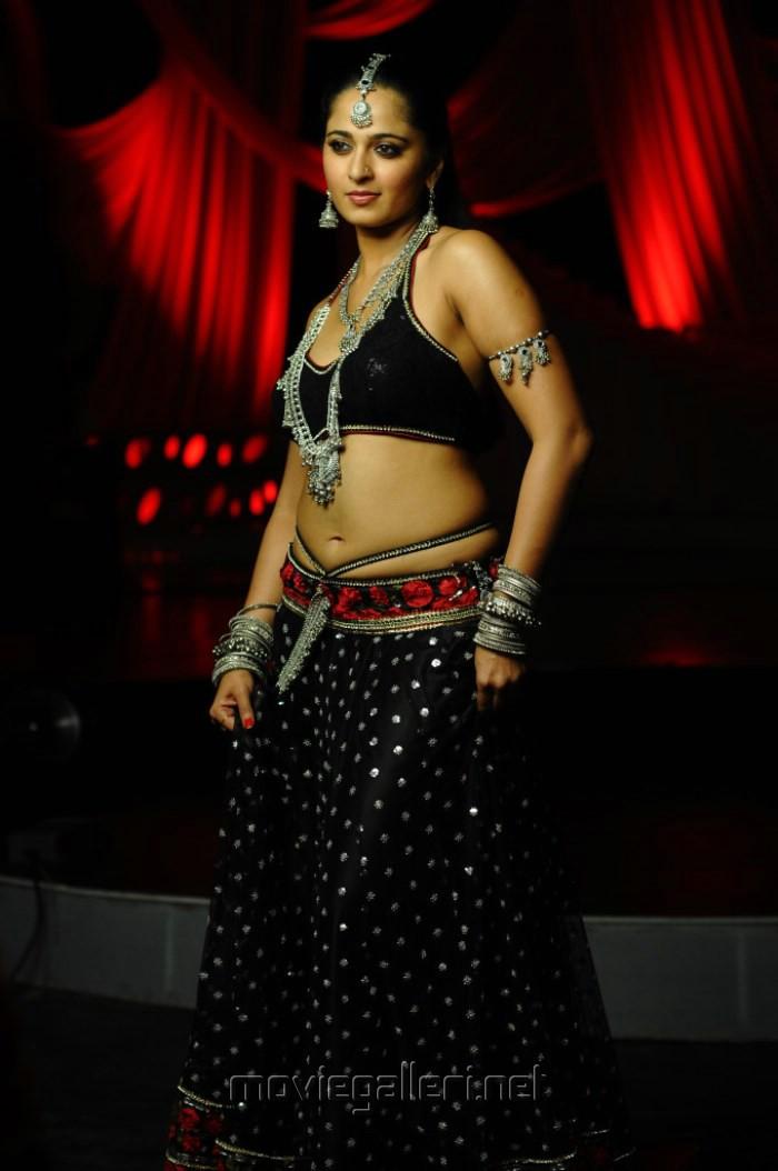 Anushka shetty hot in black dress photo from damarukam gallery view