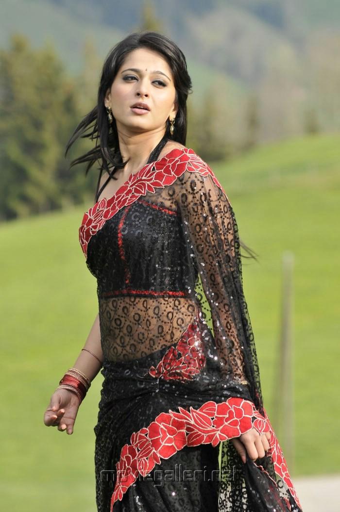 Picture 399481   Anushka Shetty Hot Black Saree Pics in Damarukam ...