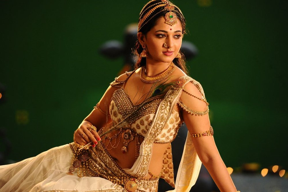 Rudramadevi Anushka Shetty Hot Stills