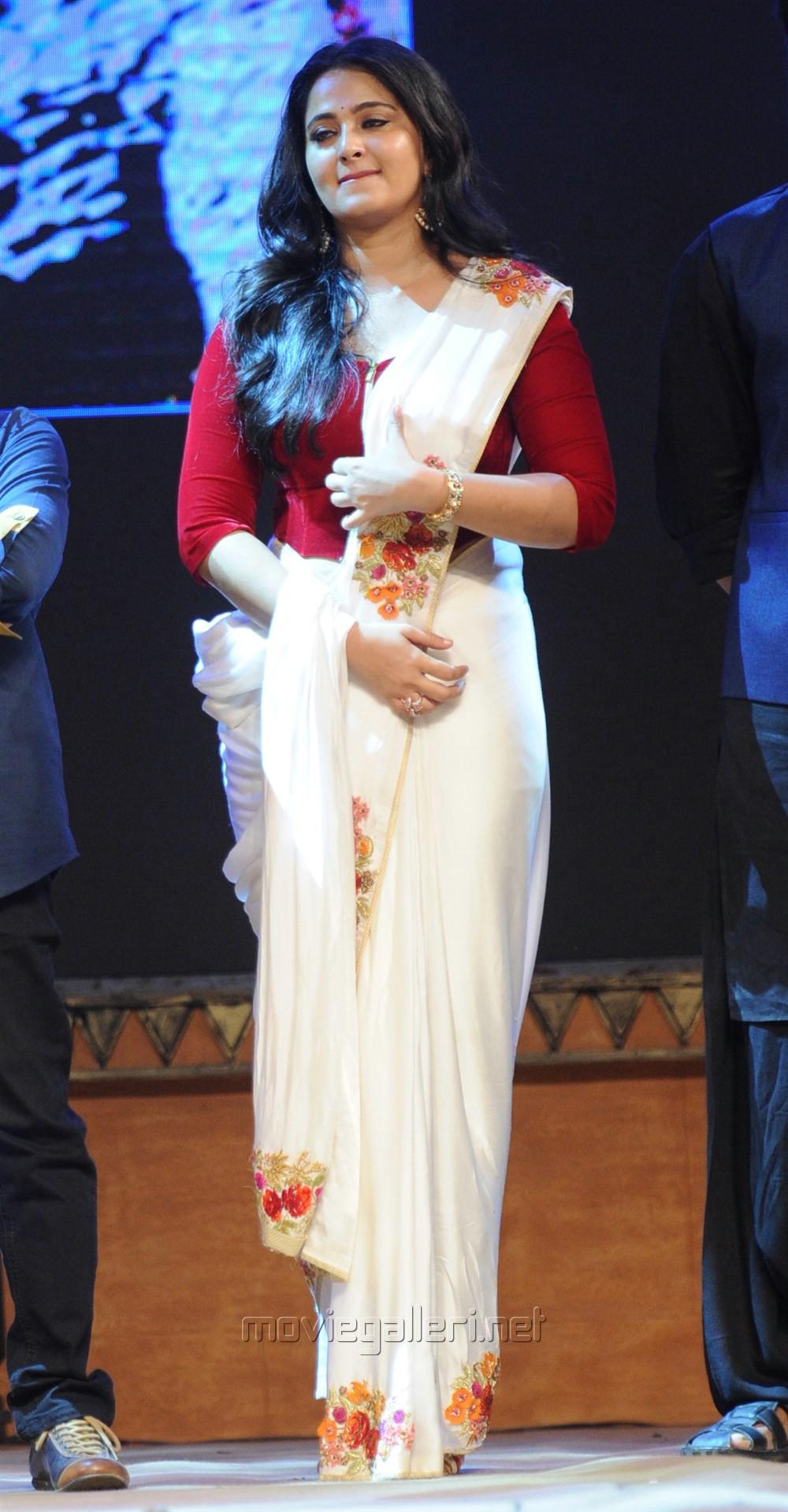Actress Anushka Shetty Saree Photos at Bahubali 2 Pre Release