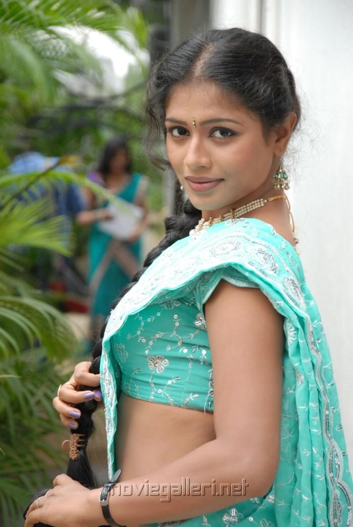 Telugu Actress Anusri Photos   Anusri Hot in Saree Stills