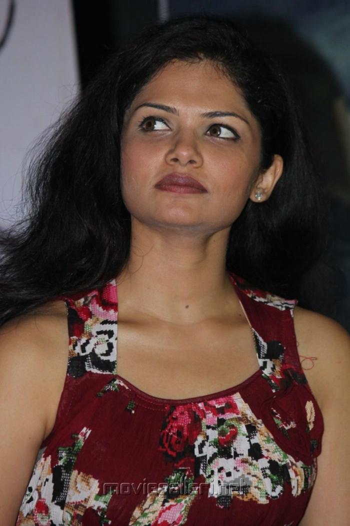 anuya bhagvath age