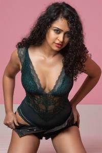 Ram Gopal Varma Thriller Movie Heroine Apsara Rani Pics