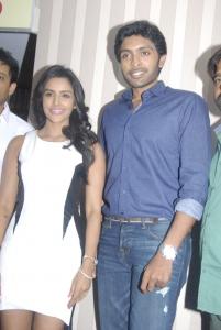 Priya Anand, Vikram Prabhu @ Arima Nambi Movie Success Meet Stills