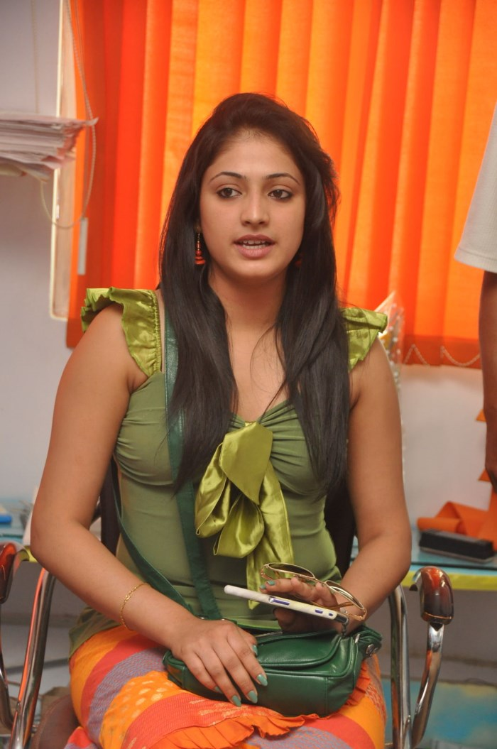Haripriya visits Glitters Film Academy, Banjara Hills, Hyderabad