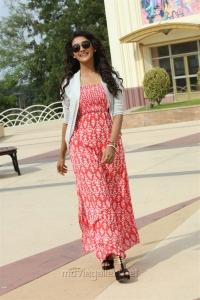 Actress Pooja Jhaveri in Arjun Reddy Tamil Movie Stills HD