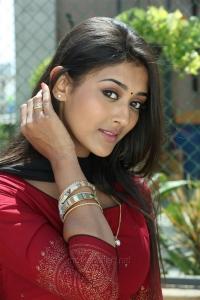 Actress Pooja Jhaveri in Arjun Reddy Tamil Movie HD Stills