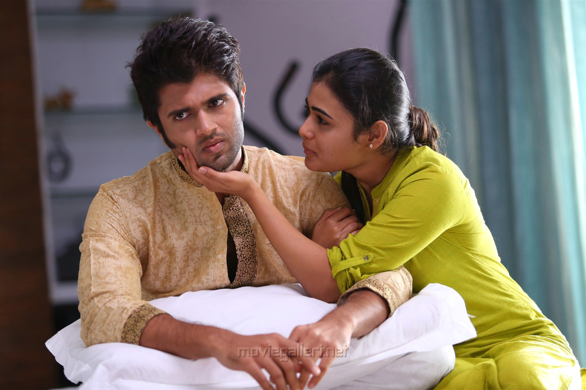 Tamil Movie Romantic Dialogue - Alaipayuthey - Blogger