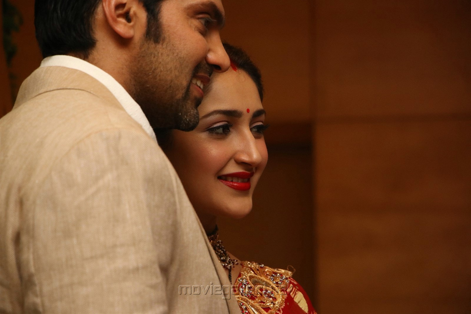 Arya Sayesha Marriage Reception Images HD