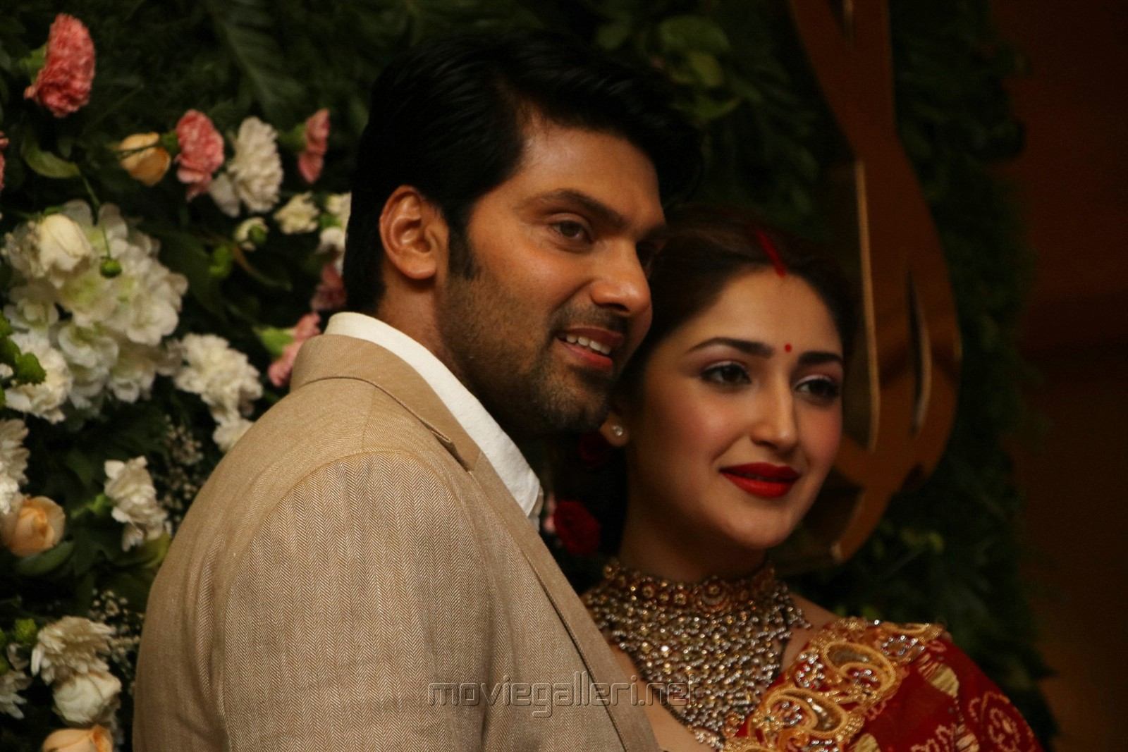 Arya Sayesha Marriage Reception Photos HD