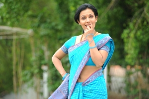 Actress Mayuri Hot Stills in Blue Cotton Saree