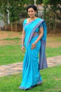Asha Saini (Mayuri) Hot Stills in Blue Cotton Saree