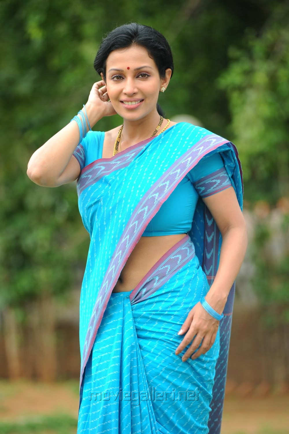 Telugu Actress Asha Saini Hot Stills In Blue Cotton Saree   Gallery