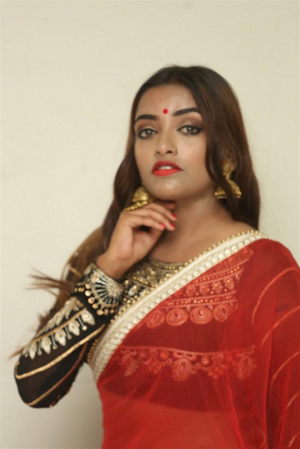 Actress Ashi Roy Pics @ KS 100 Movie Audio Launch